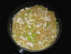 Spaghetti mit Feta und Zitrone